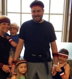 Omaha dad's transverse myelitis diagnosis doesn't interfere with family time