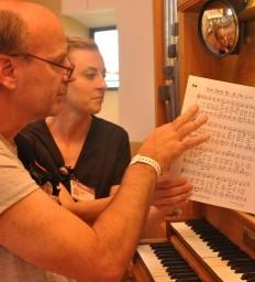 Iowa man uses music and faith to heal