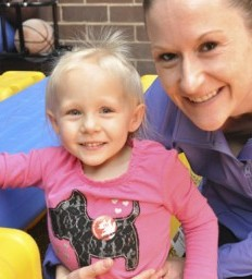 Lincoln toddler defies the odds walking with prosthetic legs for first time (KOLN)